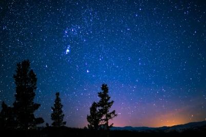 constellation-galaxy-glisten-1175136